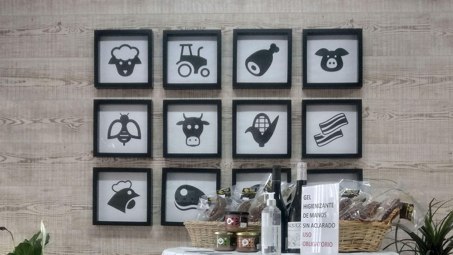 Iconos mural decorativo tienda Baldana